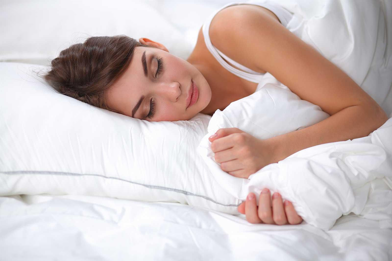 Dormire Con Due Cuscini.Come Dormire Con Il Reflusso Gastrico Materassi Morfeus